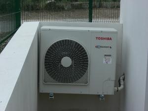 Pompe a chaleur air air reversible pour restaurant scolaire de 10 KW